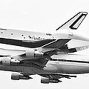 Enterprise Shuttle Nyc -black And White  Poster