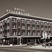 Hotel Yellowstone Poster