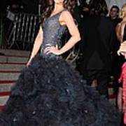Kate Beckinsale Wearing A Marchesa Poster by Everett