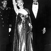 Marilyn Monroe Waves To The Crowd Poster