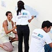 Michelle Obama Helps Paint A Mural Poster