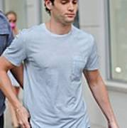 Penn Badgley, Walks To The Gossip Girl Poster