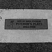 Shea Stadium Pitchers Mound In Black And White Poster