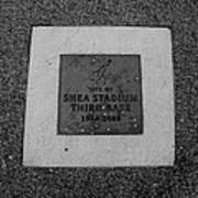 Shea Stadium Third Base In Black And White Poster
