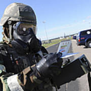 Soldier Uses An M256 Kit To Identify Poster