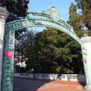 Uc Berkeley . Sproul Plaza . Sather Gate . 7d10037 Poster