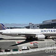 United Airlines Jet Airplane At San Francisco Sfo International Airport - 5d17107 Poster