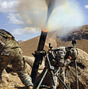 U.s. Army Soldiers Firing A 120mm Poster