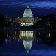 Us Capitol - Pre-dawn Getting Ready Poster