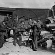 Soldiers Loading Cannon 19171918 Black White Poster