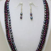 3562 Triple Strand Freshwater Pearl Necklace Set Poster
