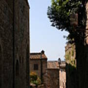 Alleyway In San Gimignano Poster