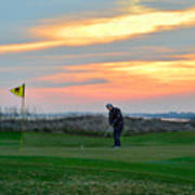 Eighteenth Green At Sunset Poster