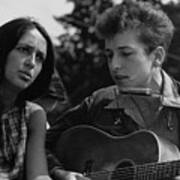 Folk Singers Joan Baez And Bob Dylan Poster by Everett