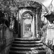 Garden Arches Of Vizcaya - Black And White Poster