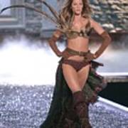 Gisele Bundchen At Fashion Show For The Poster