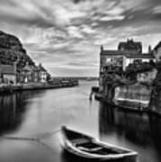 Leading Light At Staithes Poster