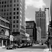 Milwaukee Street Scene B-w Poster