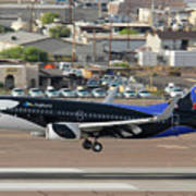 Southwest Boeing 737-7h4 N715sw Shamu Landing Phoenix Sky Harbor April 5 2011 Poster