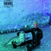 The 1-18 Animal Rescue Team - Seal In Shower Poster