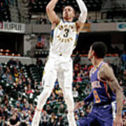 Phoenix Suns V Indiana Pacers Poster