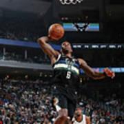 La Clippers V Milwaukee Bucks Poster
