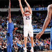 Phoenix Suns V Dallas Mavericks Poster