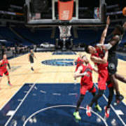 Toronto Raptors v Minnesota Timberwolves Poster