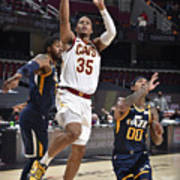 Utah Jazz v Cleveland Cavaliers Poster
