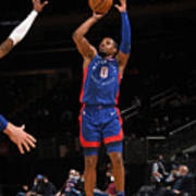Detroit Pistons v New York Knicks Poster