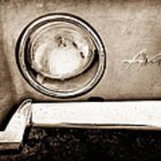 1963 Studebaker Avanti Emblem Art Print