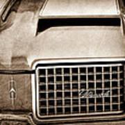 1972 Oldsmobile Grille Emblem Art Print