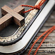 Cross On Bible Art Print