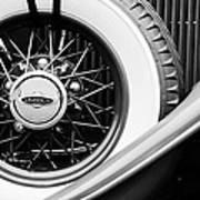 Lincoln Spare Tire Emblem Art Print by Jill Reger