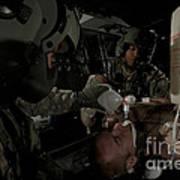 U.s. Army Medics Simulating Ventilation Art Print