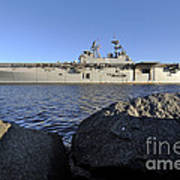 Uss Bataan Arrives At Naval Station Art Print
