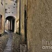 Tight Alley Art Print