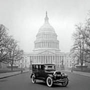 1924 Ford Lincoln At U. S. Capitol Art Print