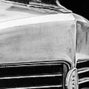 1932 Marmon Sixteen Lebaron Victoria Coupe Hood Ornament - Grille Emblem - 1904bw Art Print