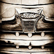 1947 Ford Deluxe Grille Grille Emblem Art Print