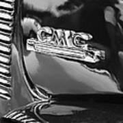 1952 Gmc Suburban Emblem Art Print