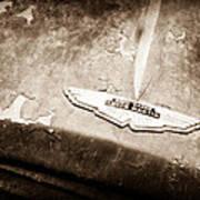 1957 Aston Martin Db2-4 Mkii Emblem Art Print