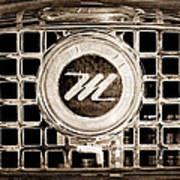 1958 Nash Metropolitan Grille Emblem Art Print