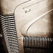 1940 Nash Sedan Grille Art Print