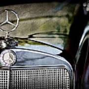 1960 Mercedes-benz 220 Se Convertible Hood Ornament Art Print