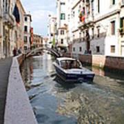 Cruisin' The Canals Art Print