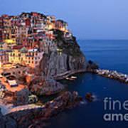 Manarola At Night In The Cinque Terre Italy Art Print