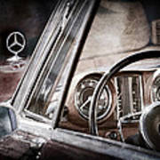 Mercedes-benz 250 Se Steering Wheel Emblem Art Print