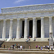 Visitors At The Lincoln Memorial Art Print