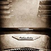 1956 Austin-healey 100m Bn2 'factory' Le Mans Competition Roadster Hood Emblem Art Print